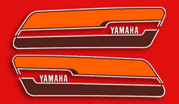 RD400C 1976 - Red Fuel Tank Decals